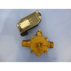 """FLOW-SWITCH MM R1/2"""" WITH MANOMETER PLUG"""